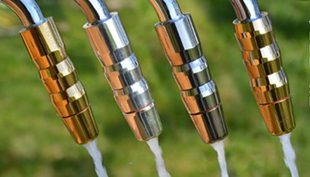 Im Bild Wasserwirbler Sondermodelle der Aquadea Wirbelmanufaktur