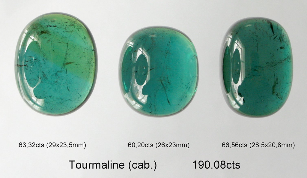 blau-grüner Turmalin