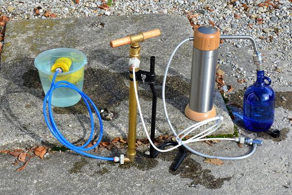 Herstellung von Trinkwasser mit der Autarki Pumpe und Okato Nature